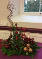 Flower arranging led by Lynne Demonstration December 2018 - photo 5